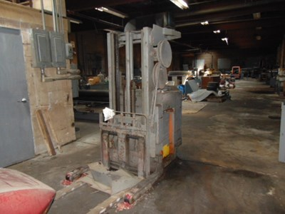Auction Photo